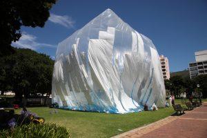 Bulle construite par le collectif Basurama à Cape Town